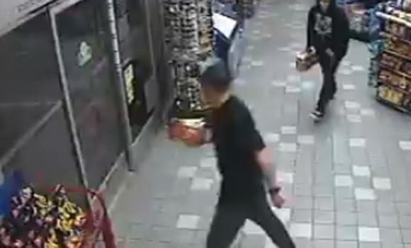 2 Men Try to Steal Beer In Front of 4 Sheriff's Deputies
